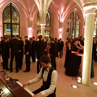 pianist at gala dinner