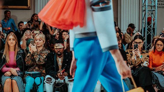 Défilé de mode à Paris